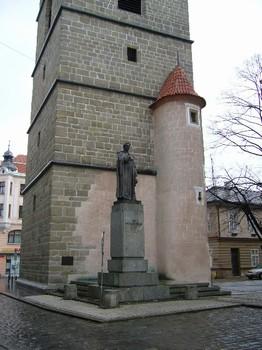 Bronzový pomník českobudějovického biskupa Jana Valeriána Jirsíka