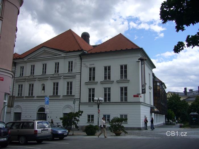 Budova divadla