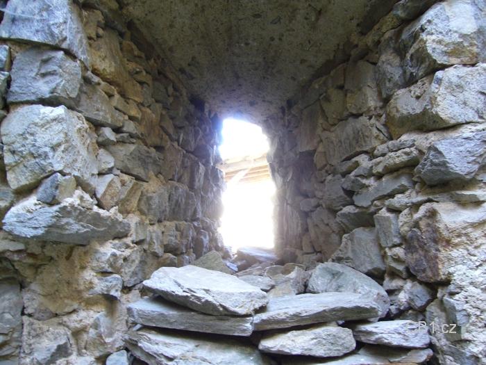 Okno v hradbách