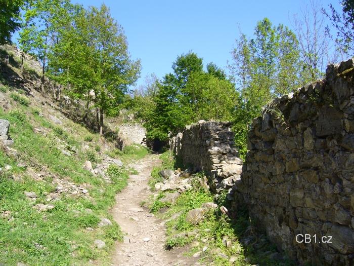 Cesta k hlavní bráně