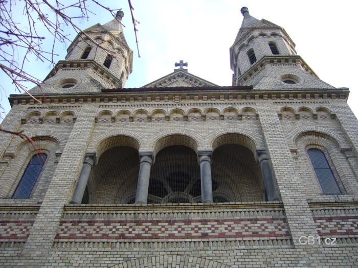 Kostel Hosín